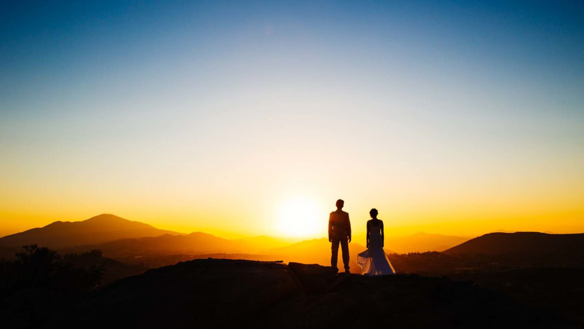 Pittsburgh Modern Wedding Photographer Man Nguyen Photography in California at Jamul right outside of San Diego. Couple on their wedding day enjoying the California sunset.