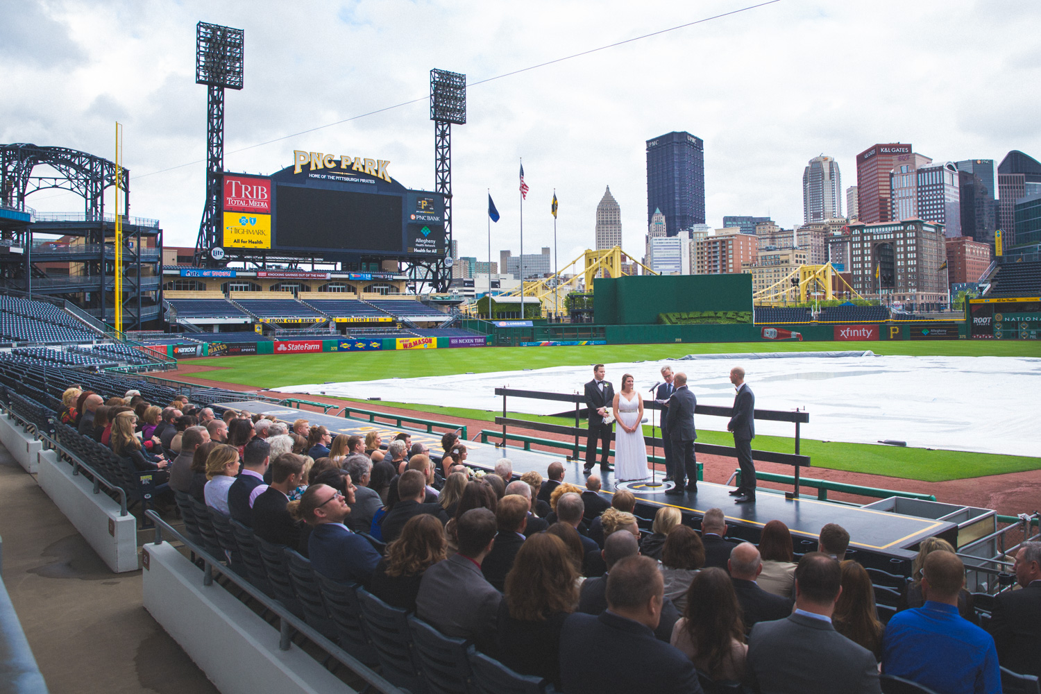 wedding-at-pnc-park-convention-center-downtown-pittsburgh-man-nguyen-photography-5