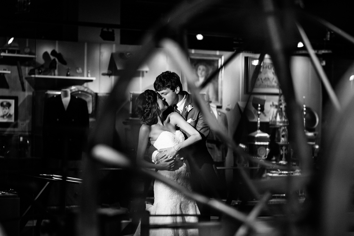 wedding-photos-of-heinz-history-center-downtown-pittsburgh-manny-photographer-photography-3