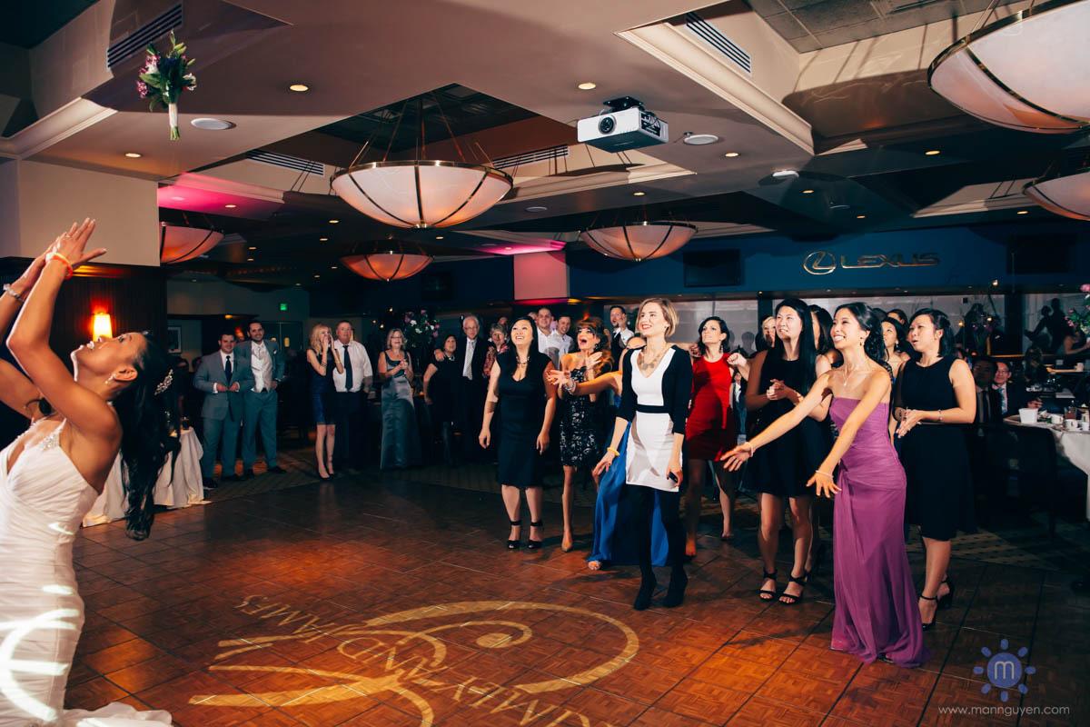lexus-club-pnc-park-pittsburgh-modern-wedding-photographer-7 (21)