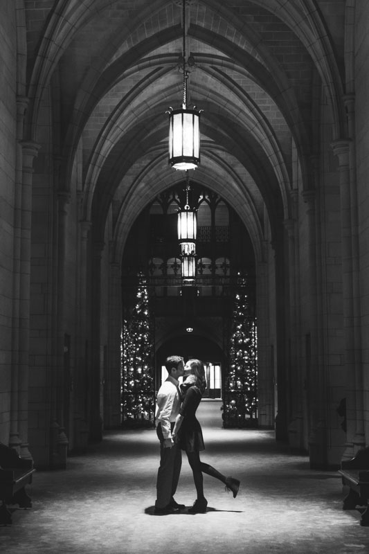 pittsburgh-wedding-photographer-at-cathedral-of-learning